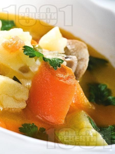 Постна чорба с гъби, моркови и картофи - снимка на рецептата